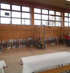 Skibasar in der Sporthalle Teugn